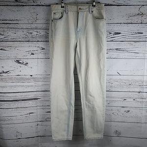 Topshop  mom jeans light wash size 26